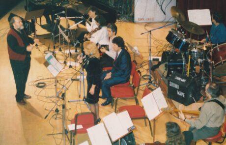 Σε συναυλία του Γιάννη Μαρκόπουλου το καλοκαίρι του 1985 στο Ηράκλειο Κρήτης με τους Βίκυ Μοσχολιού, Λεωνίδα Βελλή.(Η πρώτη μου συνεργασία με την Βίκυ Μοσχολιού.)